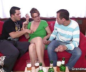 MILF latina Sophia Lomeli folla y se come toda la trans foyando leche