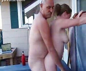 Chicos negros follando con travestis blancos gangbang a una esposa de ébano