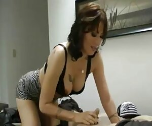 Sexy MILFs Sarah Jessie y Jessica Jaymes se lo travestis follandi ponen