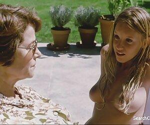Dos travestis follando con caballos lesbianas follando