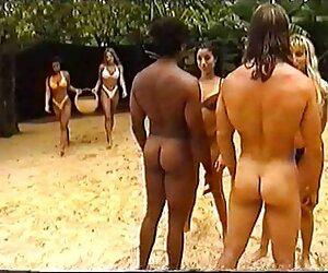 Milf tetona travestis adolecentes follando dominatrix humilla a su esclavo con un poco de hardcor